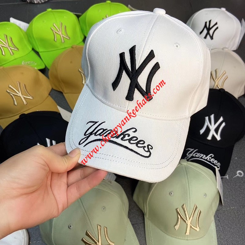 MLB NY Galligraphy Adjustable Cap New York Yankees Hat White