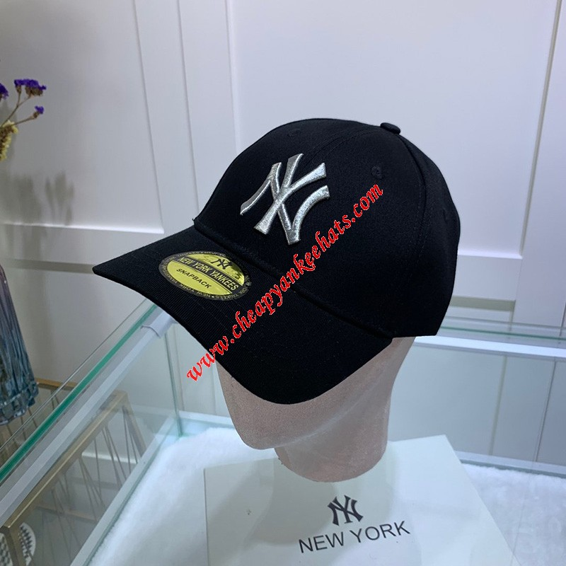 MLB NY Sticker Adjustable Cap New York Yankees Hat Black/Silver