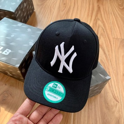 MLB NY 9Forty Adjustable Cap New York Yankees Hat Black/White