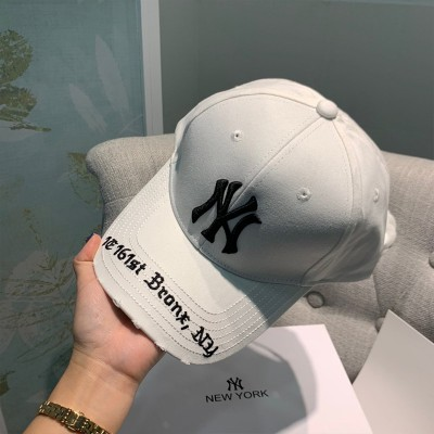 MLB NY Gothic Address Adjustable Cap New York Yankees Hat White
