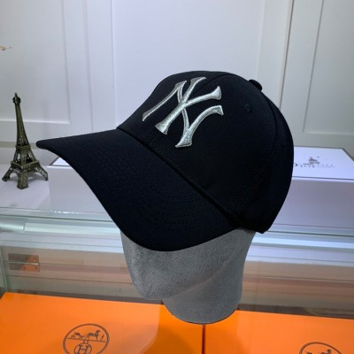 MLB NY Metal Logo Adjustable Cap New York Yankees Hat Black