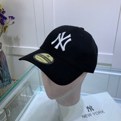MLB NY Sticker Adjustable Cap New York Yankees Hat Black/White