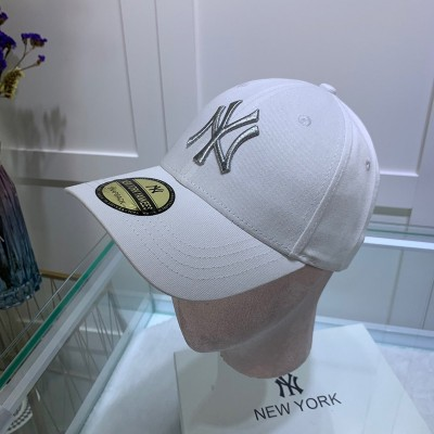 MLB NY Sticker Adjustable Cap New York Yankees Hat White/Silver